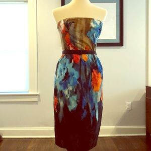 Lovely sleeveless dress with artistic flair.